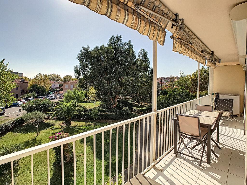 Appartement à vendre 2 55m2 à Fréjus vignette-9