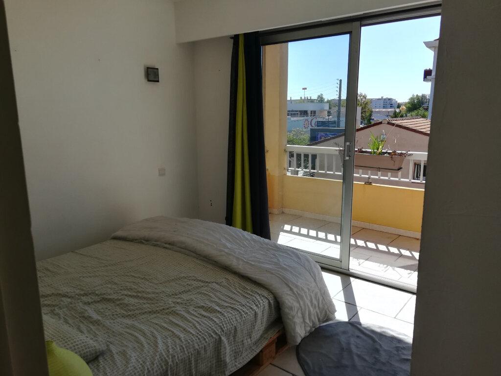 Appartement à louer 2 45m2 à Fréjus vignette-4