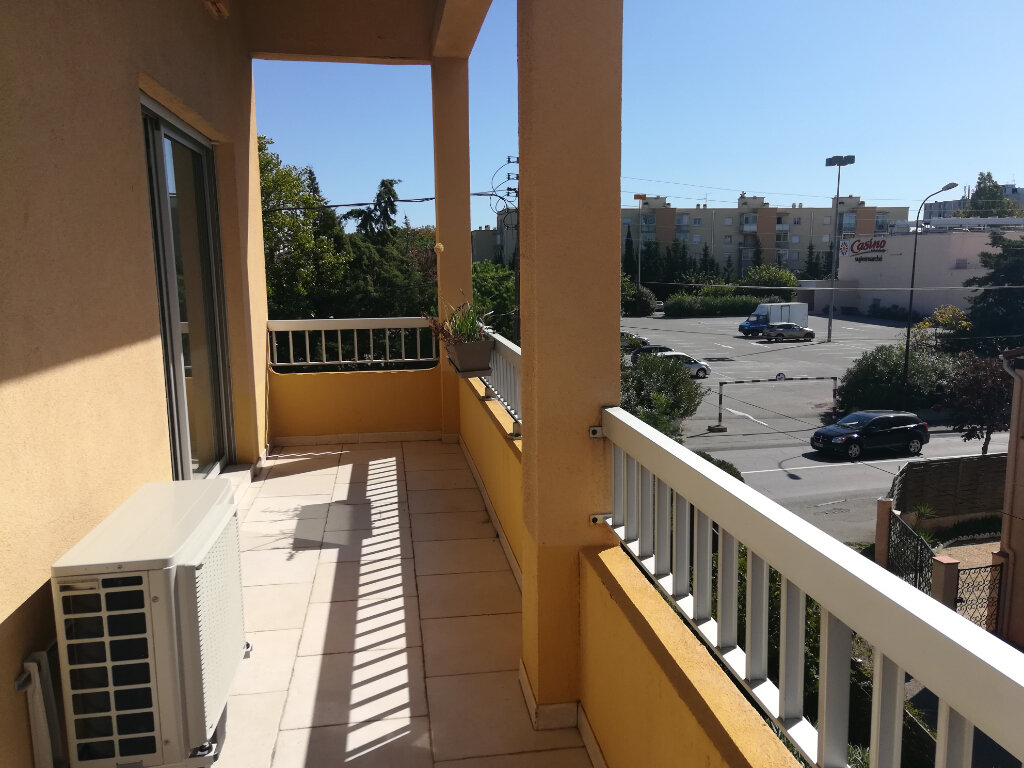 Appartement à louer 2 45m2 à Fréjus vignette-5