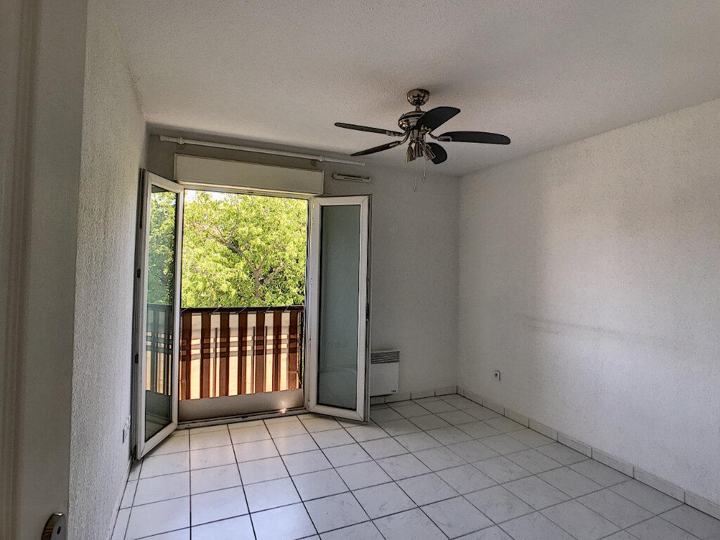 Appartement à louer 2 48.03m2 à Fréjus vignette-4