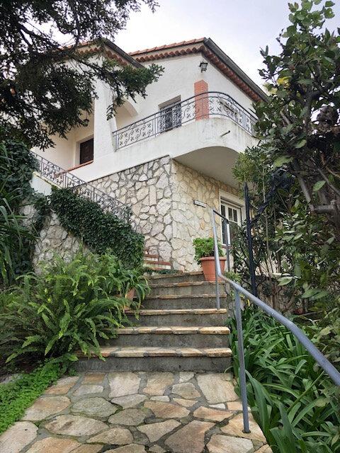 Maison à louer 4 120m2 à Cagnes-sur-Mer vignette-1