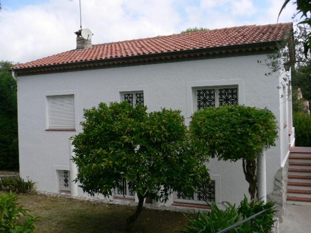 Maison à louer 4 120m2 à Cagnes-sur-Mer vignette-2