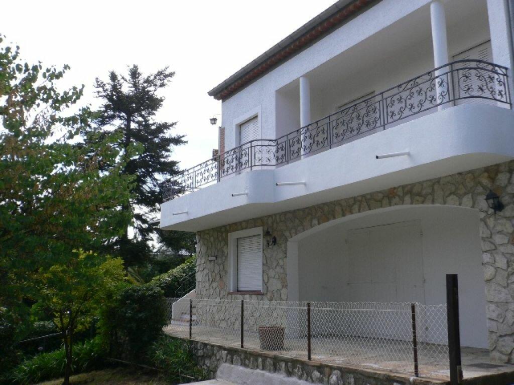 Maison à louer 4 120m2 à Cagnes-sur-Mer vignette-3