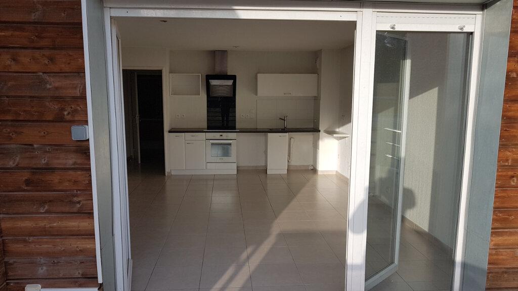 Appartement à louer 3 70.7m2 à Cagnes-sur-Mer vignette-2