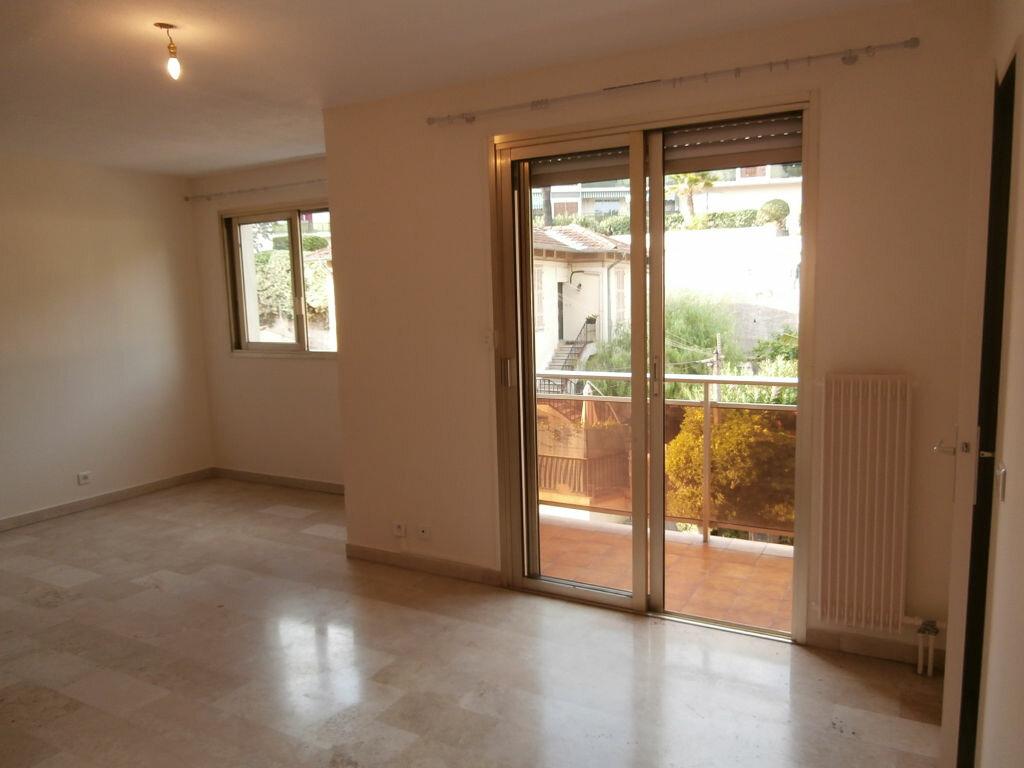 Appartement à louer 1 32.8m2 à Cagnes-sur-Mer vignette-1