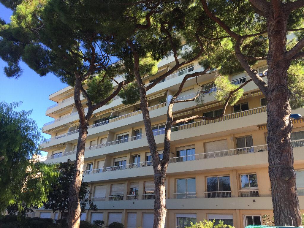 Appartement à louer 2 42.12m2 à Cagnes-sur-Mer vignette-1
