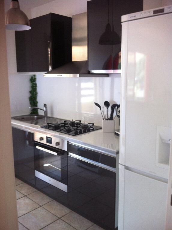 Appartement à louer 3 68m2 à Cagnes-sur-Mer vignette-2