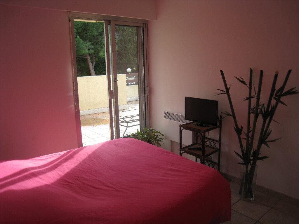 Appartement à louer 3 68m2 à Cagnes-sur-Mer vignette-7
