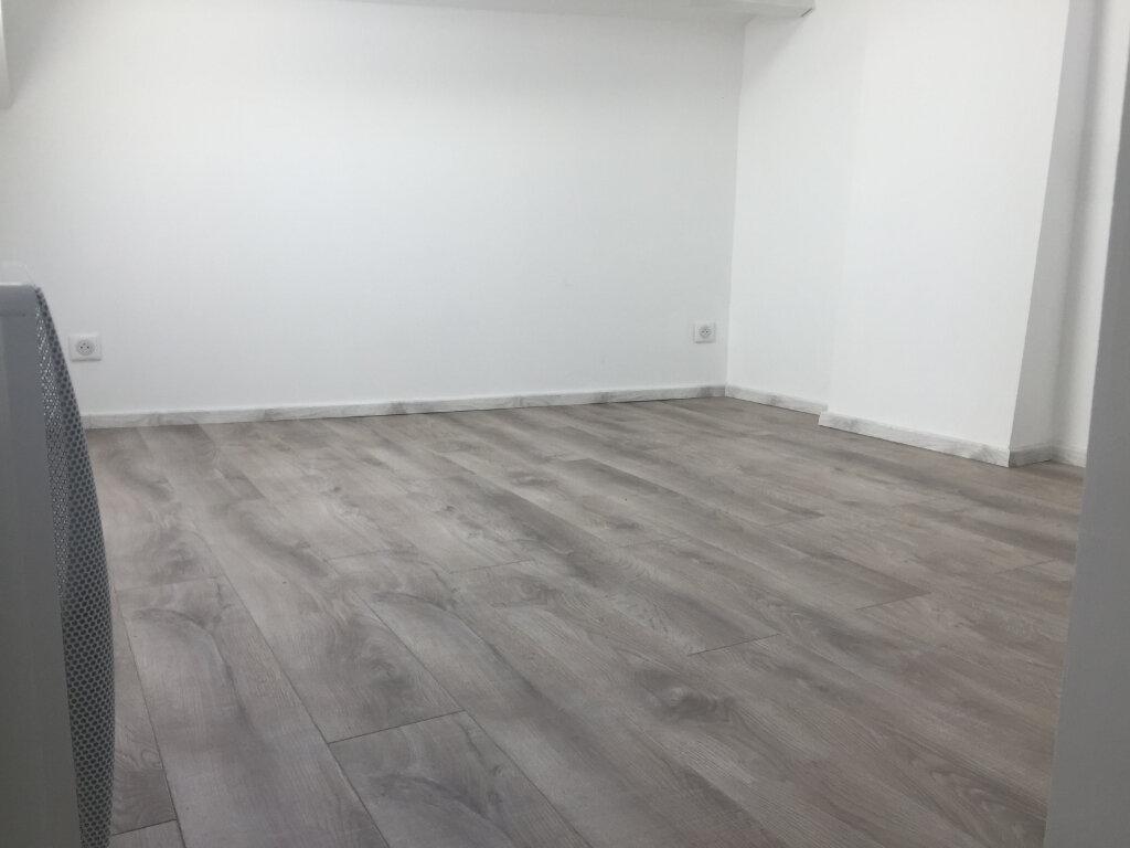 Appartement à louer 2 22m2 à Vence vignette-5
