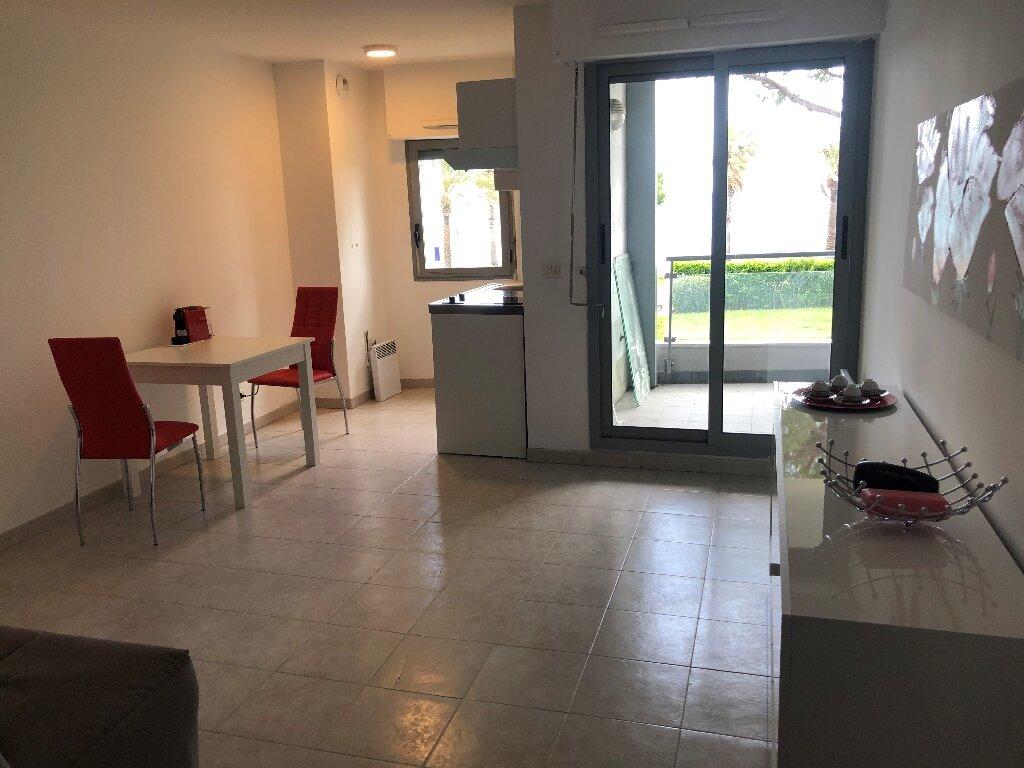 Appartement à louer 1 32.63m2 à Cagnes-sur-Mer vignette-3