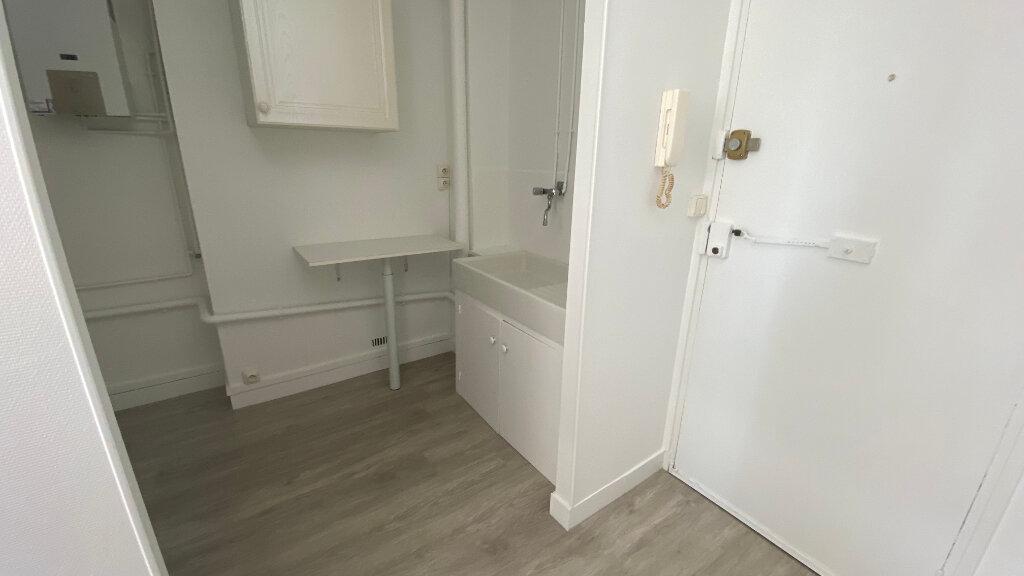 Appartement à louer 1 27.65m2 à Le Havre vignette-4