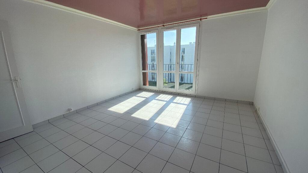 Appartement à louer 3 57.42m2 à Le Havre vignette-2