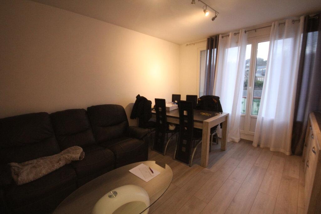 Appartement à louer 3 61.74m2 à Montivilliers vignette-1
