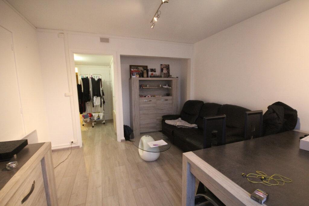 Appartement à louer 3 61.74m2 à Montivilliers vignette-4