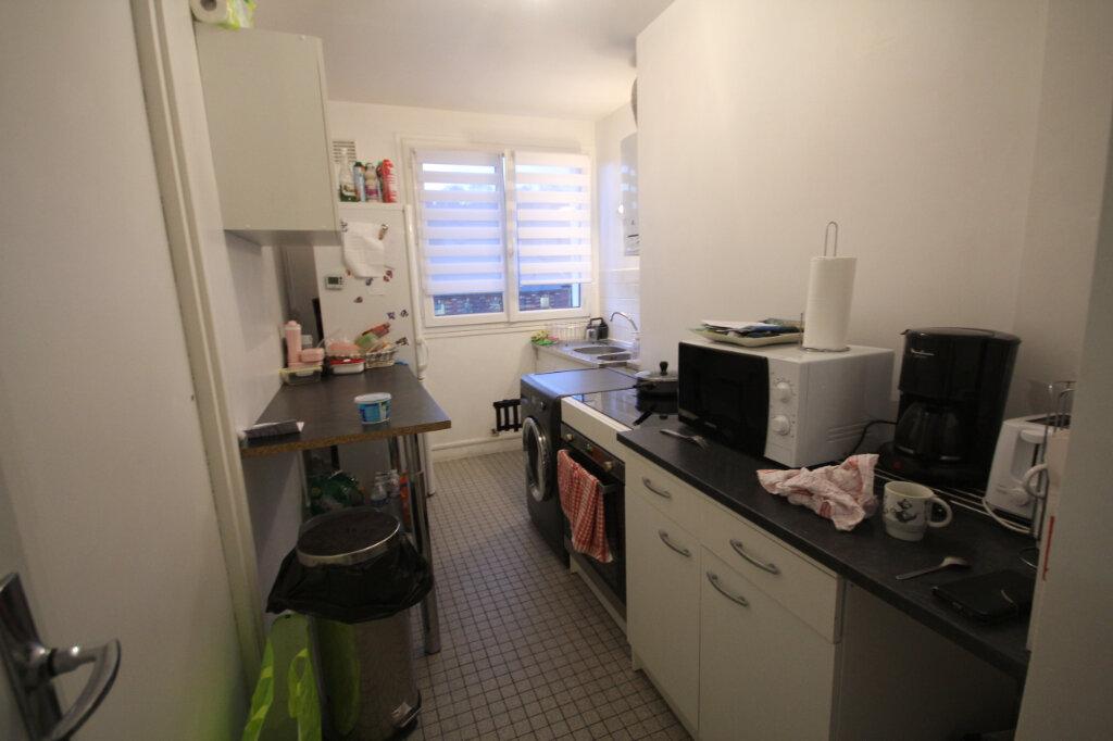 Appartement à louer 3 61.74m2 à Montivilliers vignette-6