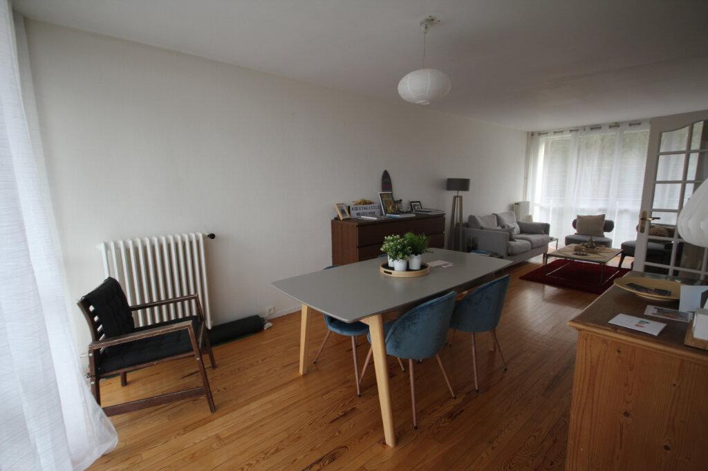 Appartement à louer 3 72m2 à Sainte-Adresse vignette-2