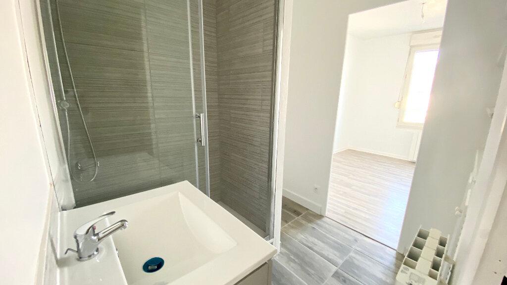 Appartement à louer 3 54.35m2 à Le Havre vignette-5
