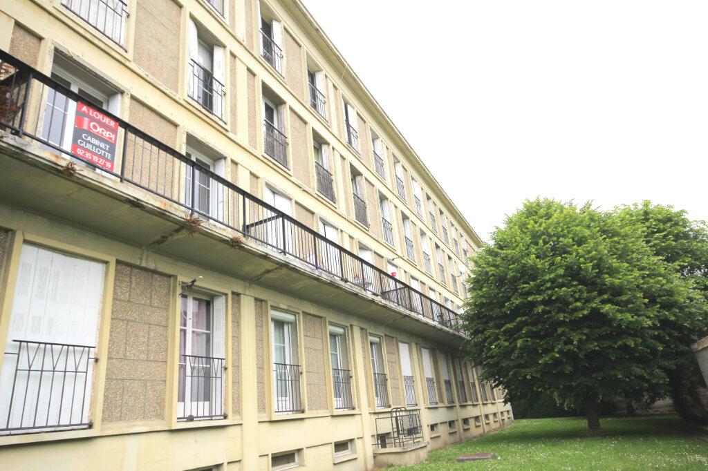 Appartement à louer 1 26.84m2 à Le Havre vignette-1