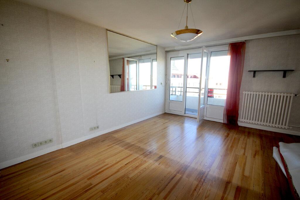 Appartement à louer 3 72.29m2 à Le Havre vignette-1