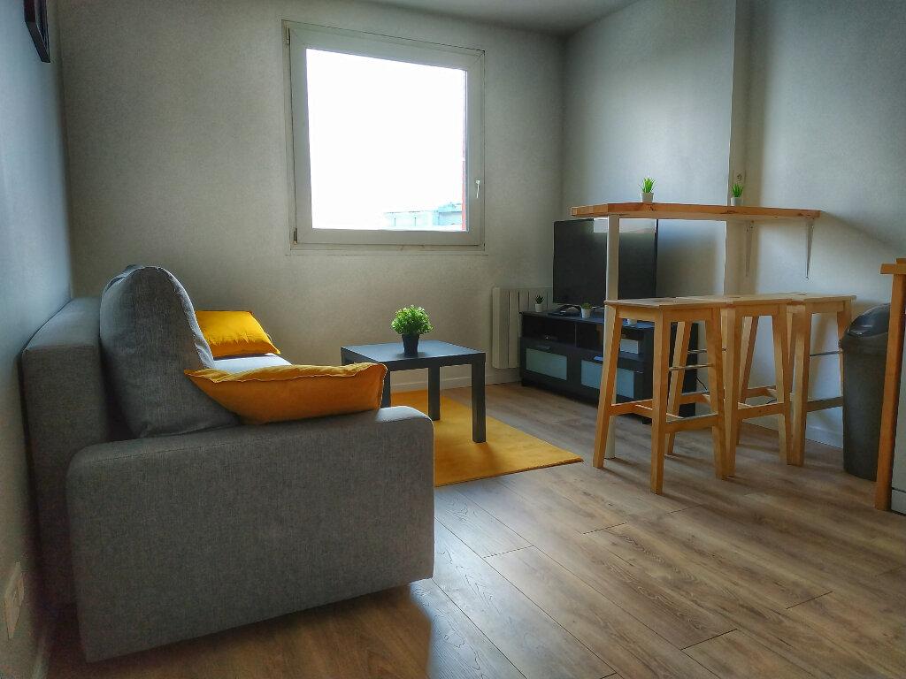 Appartement à louer 1 13.6m2 à Le Havre vignette-11