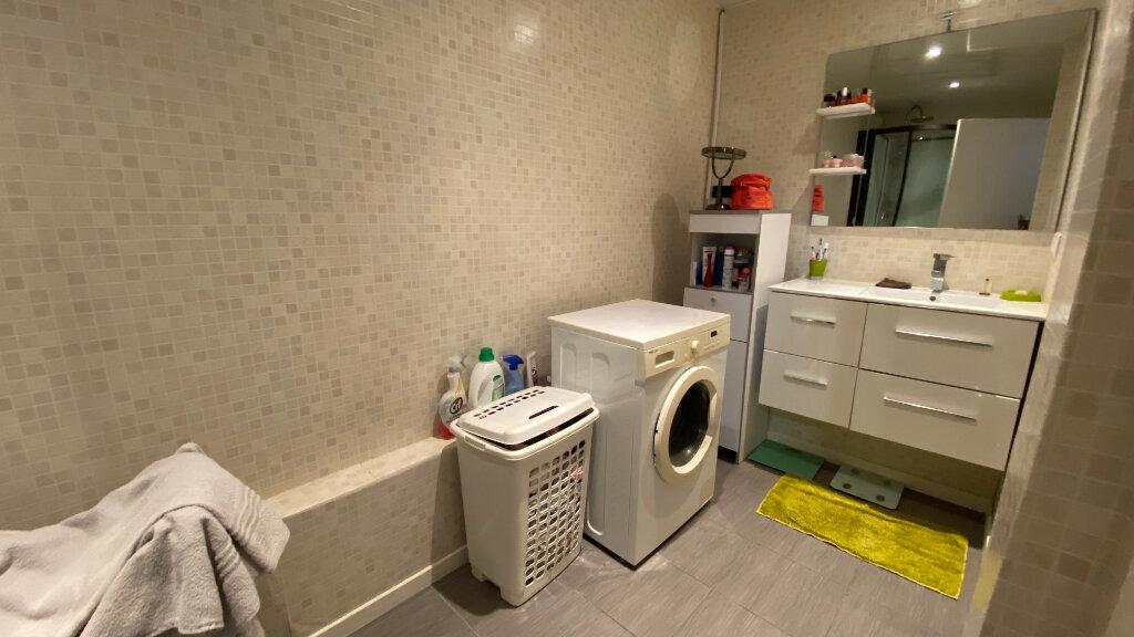 Appartement à louer 2 72.4m2 à Le Havre vignette-4