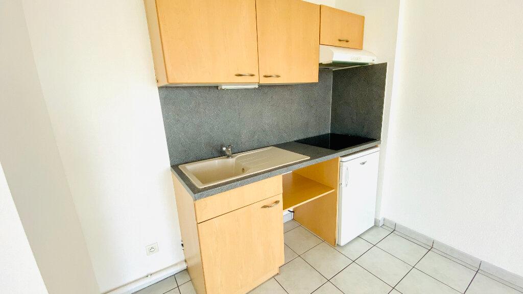 Appartement à louer 1 41.57m2 à Le Havre vignette-2