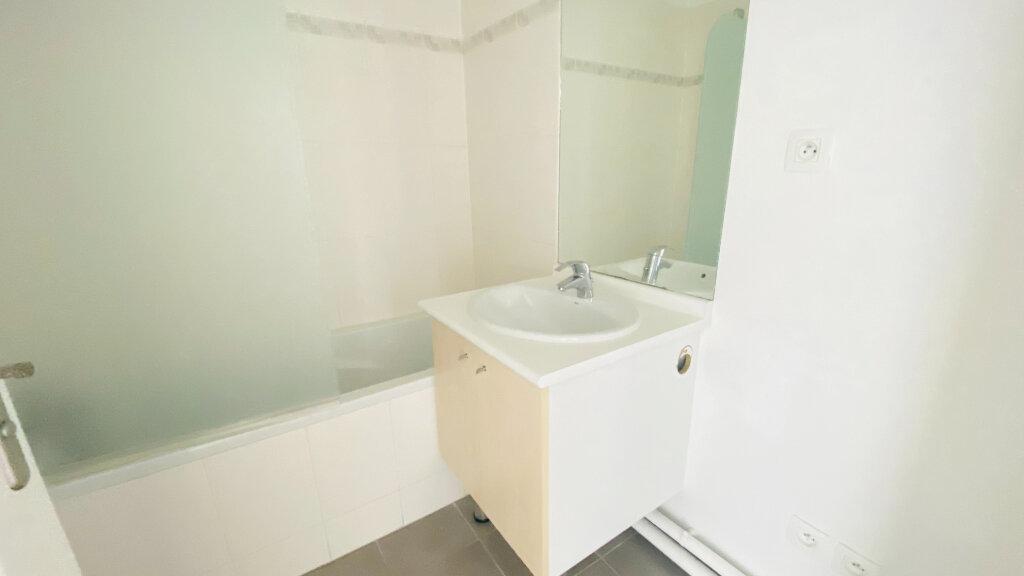 Appartement à louer 4 91.5m2 à Le Havre vignette-10