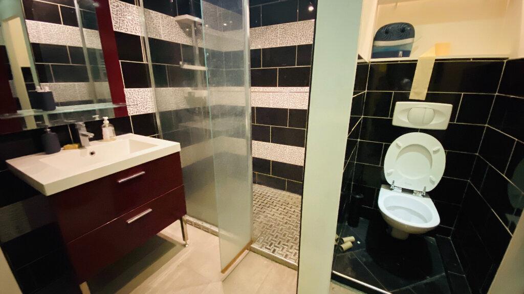 Appartement à louer 3 78.09m2 à Le Havre vignette-2