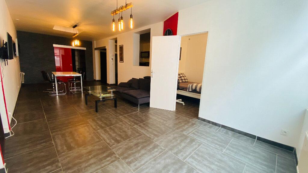 Appartement à louer 3 78.09m2 à Le Havre vignette-3