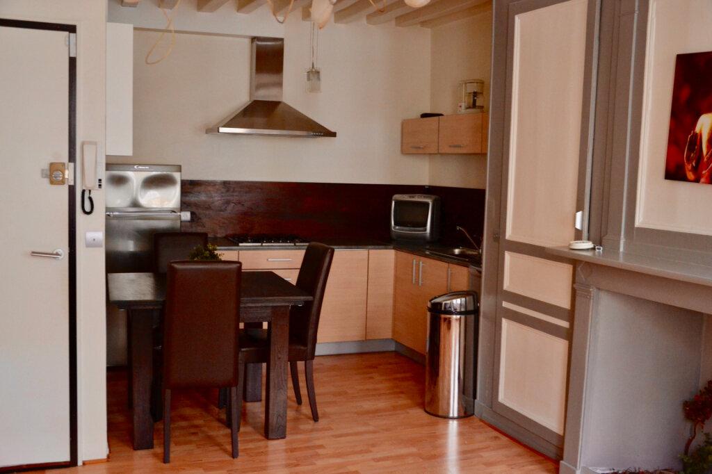 Appartement à louer 3 48m2 à Honfleur vignette-1