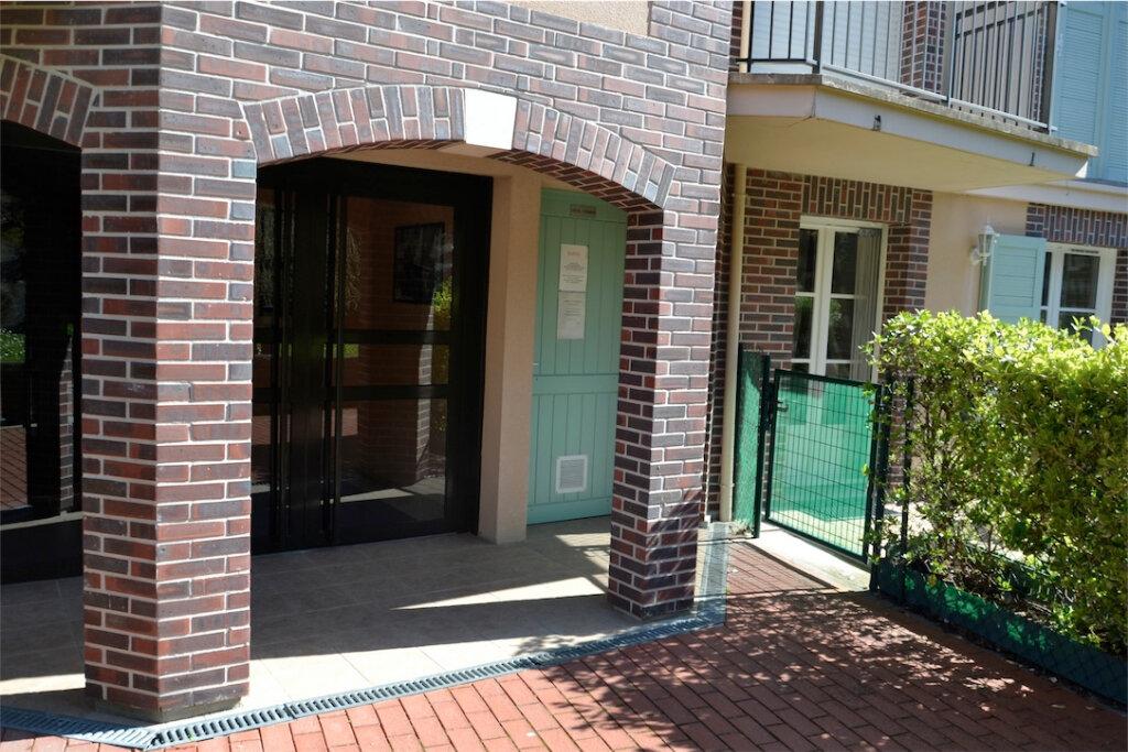Appartement à louer 1 22m2 à Honfleur vignette-10