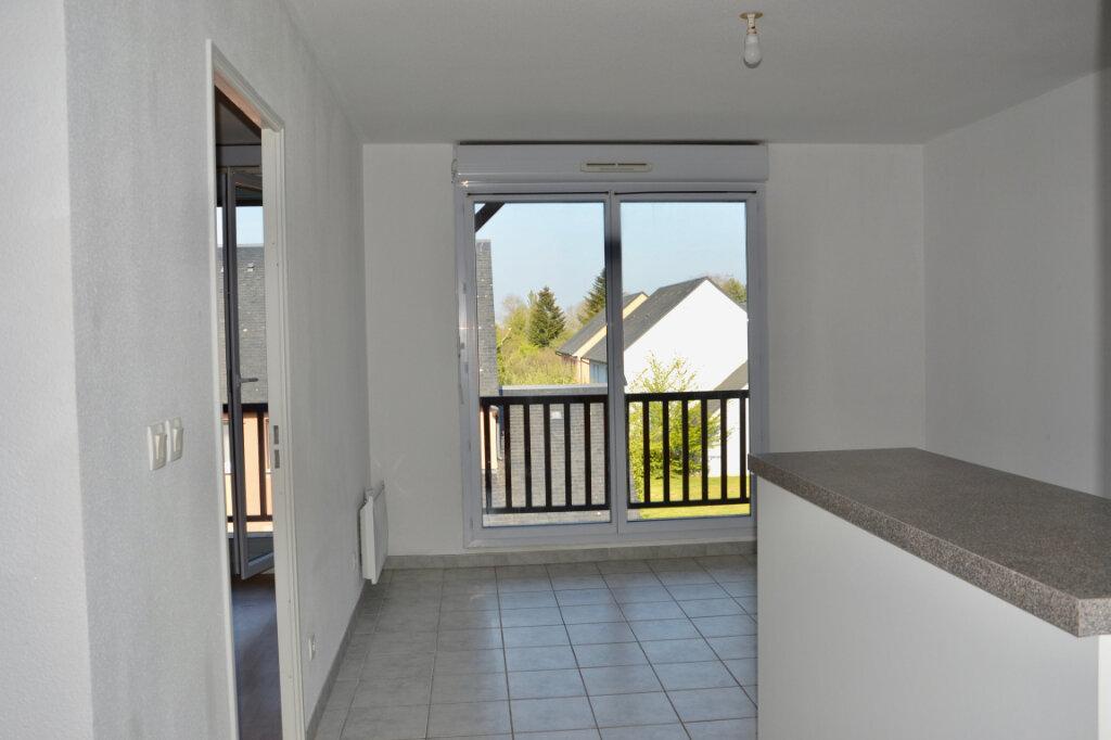 Appartement à louer 2 36.73m2 à La Rivière-Saint-Sauveur vignette-1