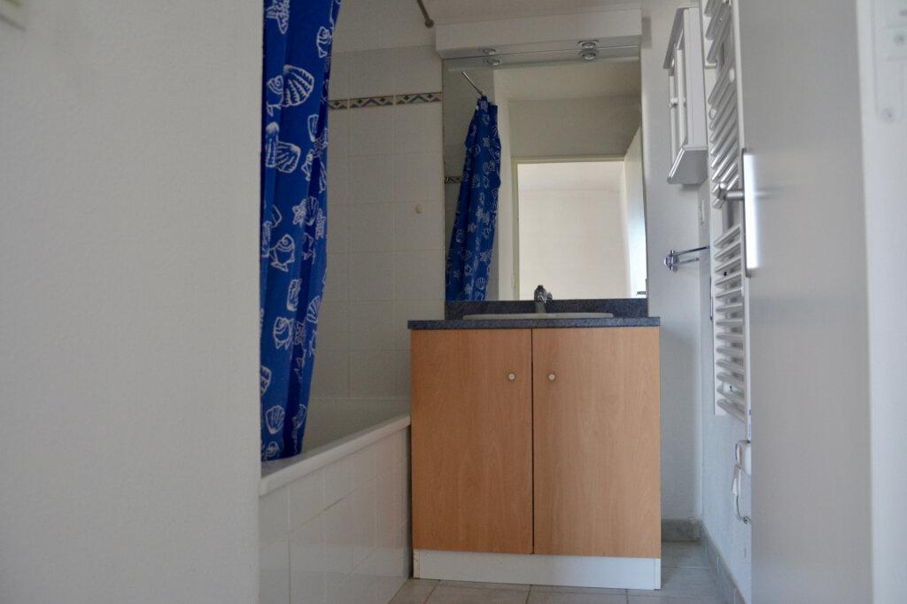 Appartement à louer 2 36.73m2 à La Rivière-Saint-Sauveur vignette-4