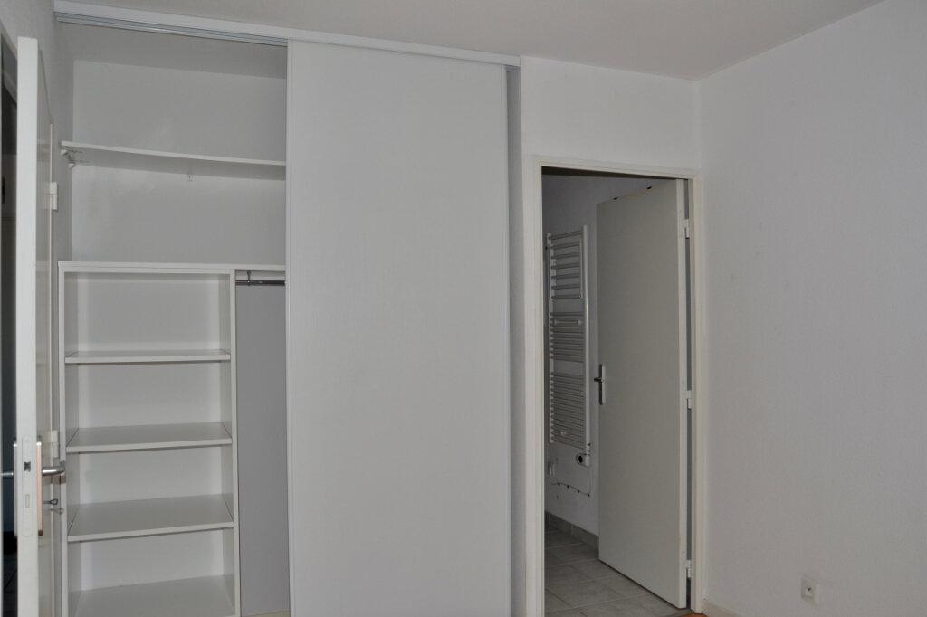 Appartement à louer 2 36.73m2 à La Rivière-Saint-Sauveur vignette-7