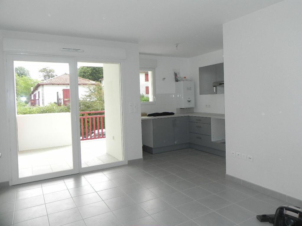 Appartement à louer 2 47m2 à Cambo-les-Bains vignette-1