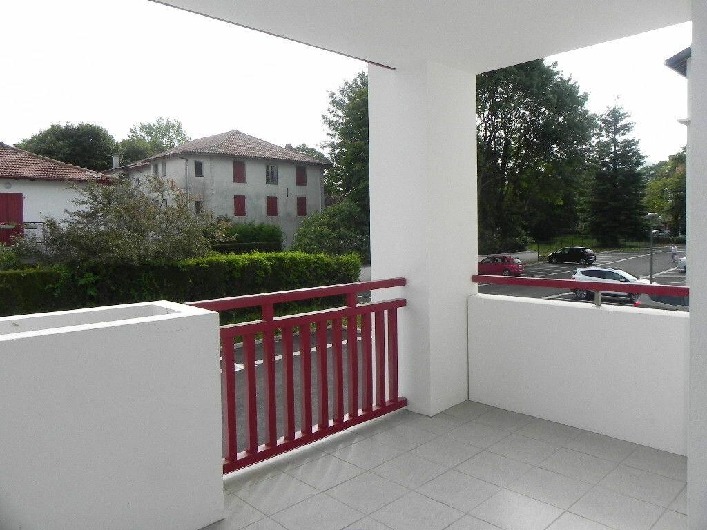 Appartement à louer 2 47m2 à Cambo-les-Bains vignette-2