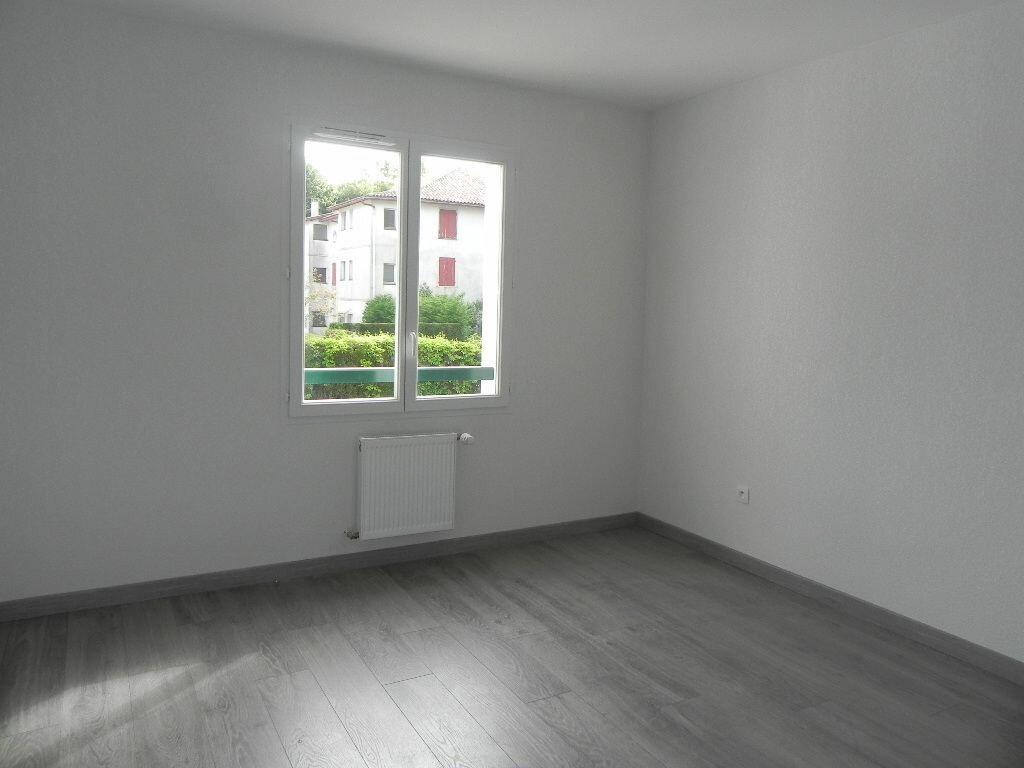 Appartement à louer 2 47m2 à Cambo-les-Bains vignette-4