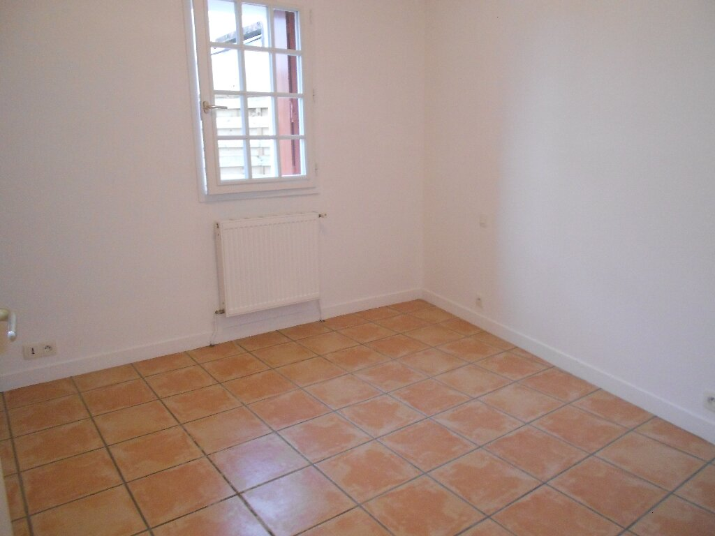 Appartement à louer 3 70m2 à Espelette vignette-5