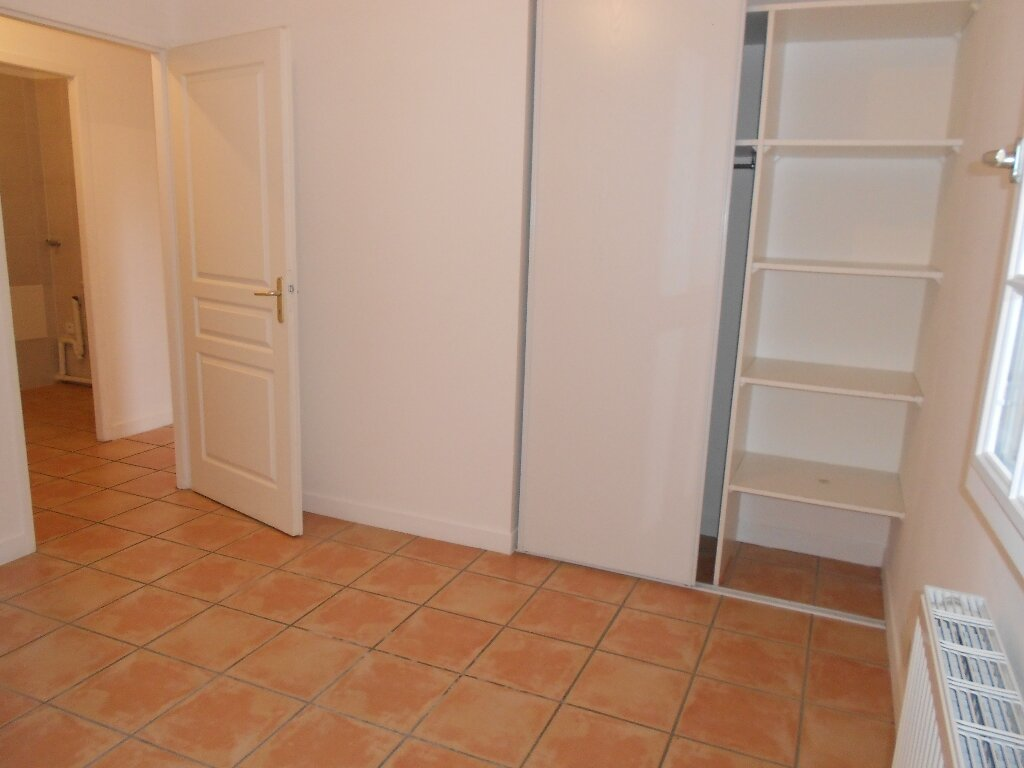 Appartement à louer 3 70m2 à Espelette vignette-6