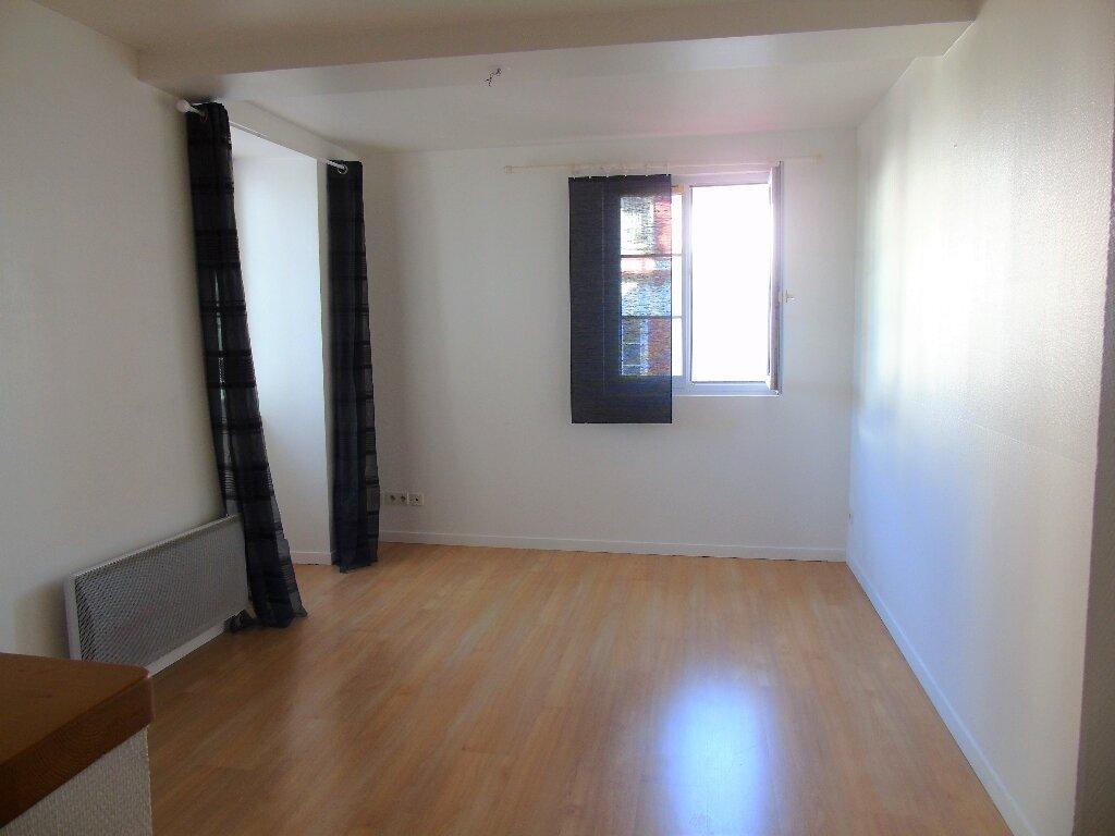 Appartement à louer 2 35m2 à Cambo-les-Bains vignette-2