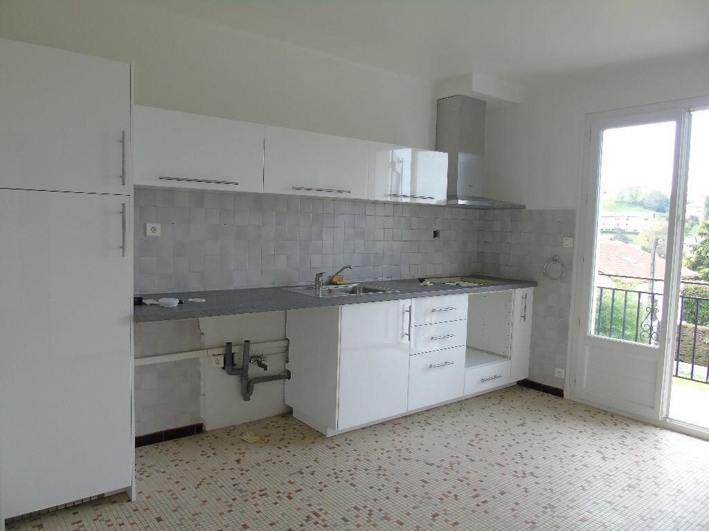 Appartement à louer 4 98.41m2 à Hasparren vignette-3