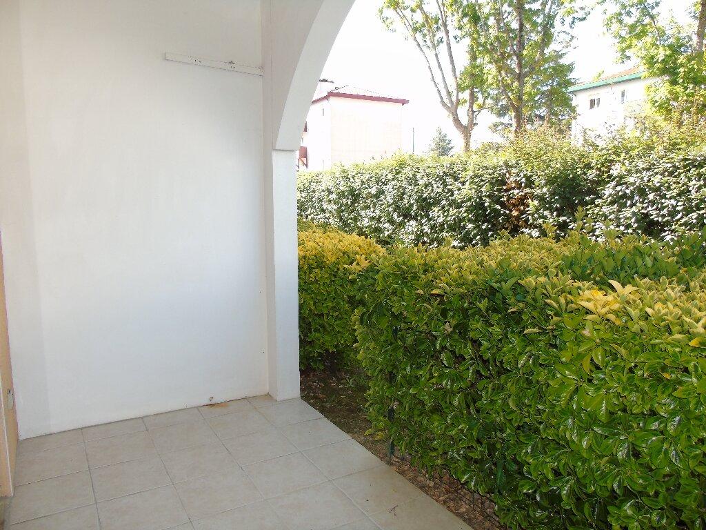 Appartement à louer 1 19.97m2 à Cambo-les-Bains vignette-3