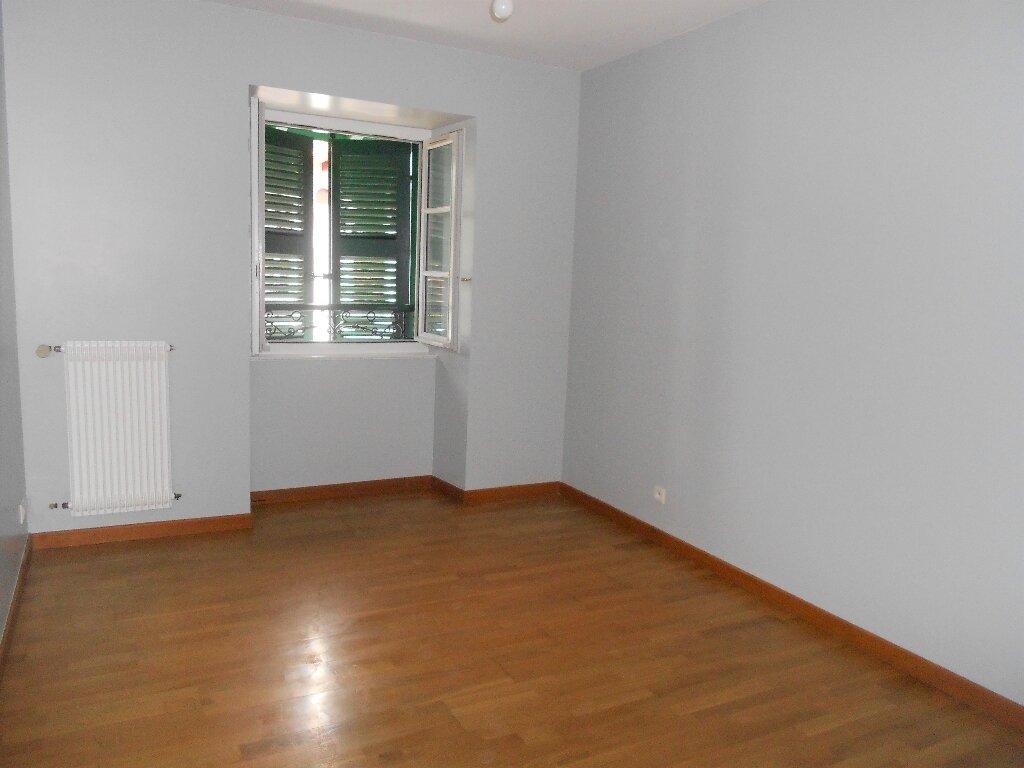 Appartement à louer 3 76m2 à Ainhoa vignette-3