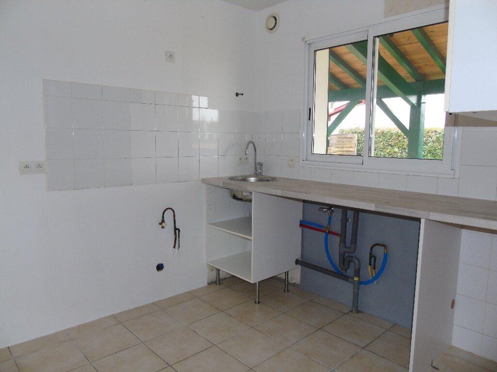 Maison à louer 4 115.43m2 à Ustaritz vignette-4