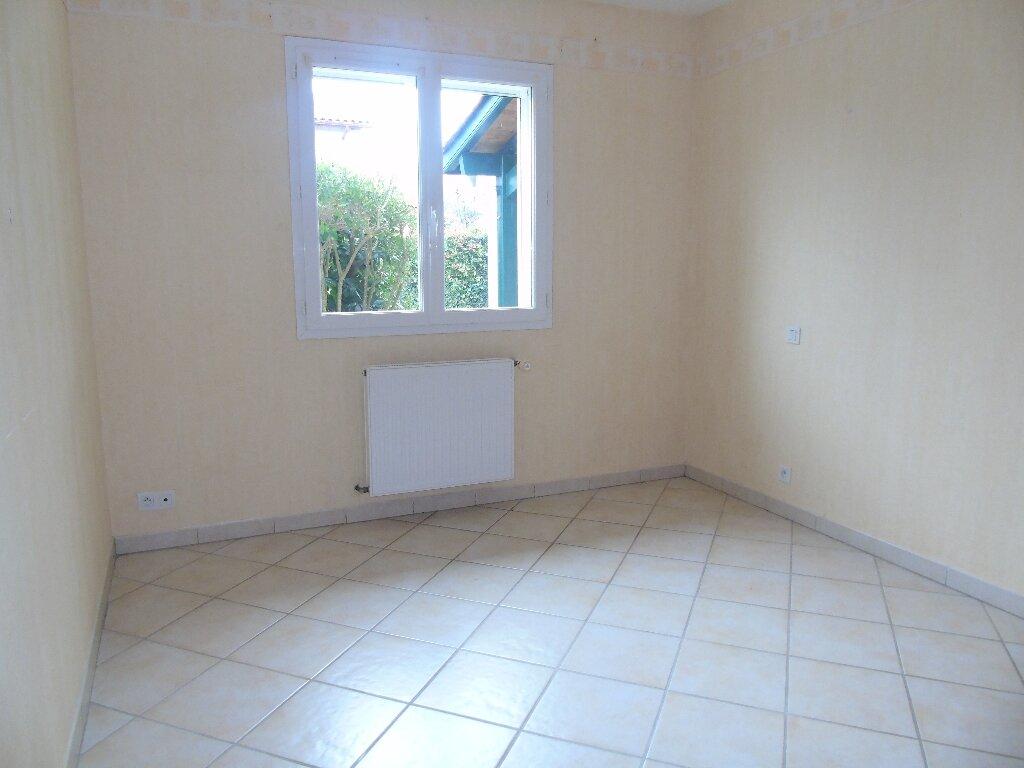 Maison à louer 4 115.43m2 à Ustaritz vignette-5