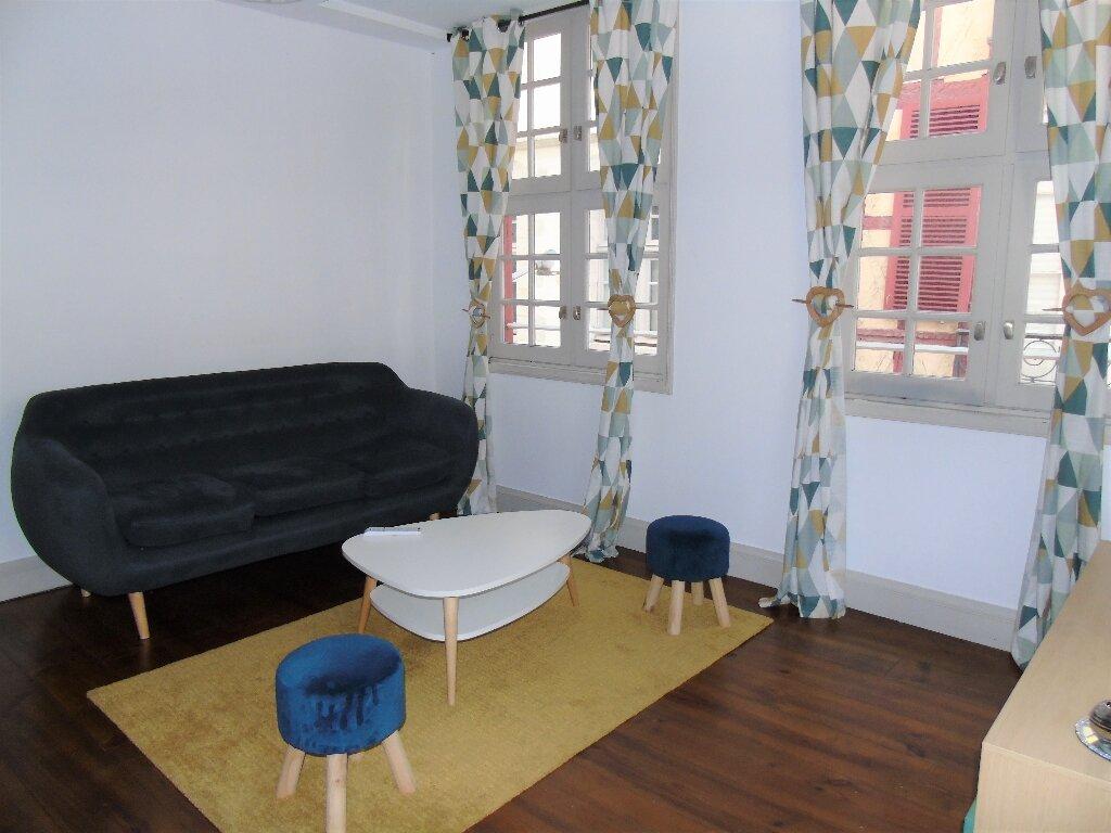 Appartement à louer 1 35.71m2 à Bayonne vignette-1