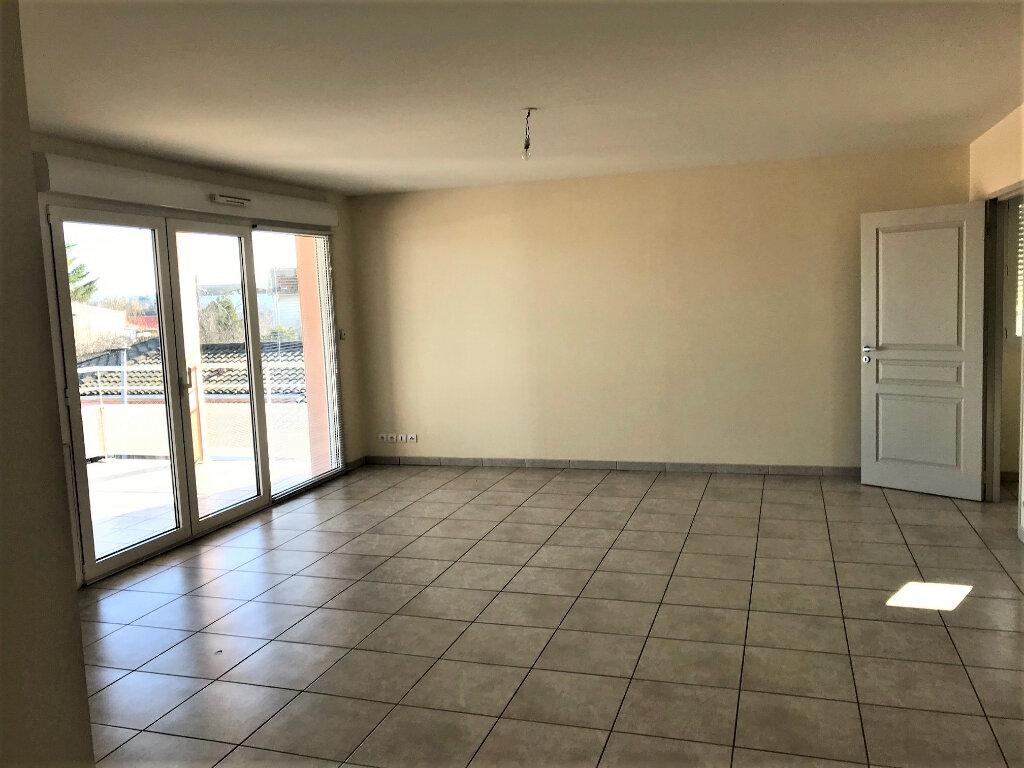 Appartement à louer 3 76m2 à Albi vignette-4