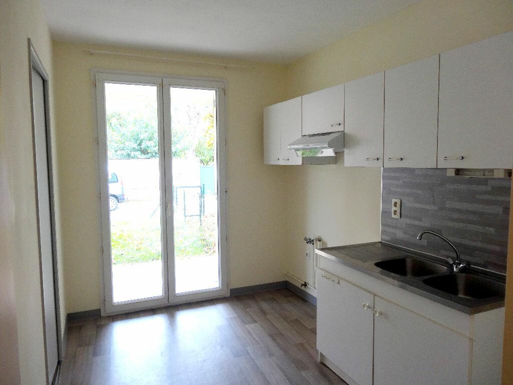 Appartement à louer 3 61m2 à Albi vignette-2