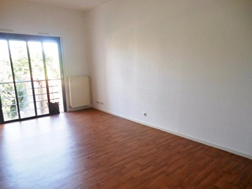Appartement à louer 2 34m2 à Albi vignette-1