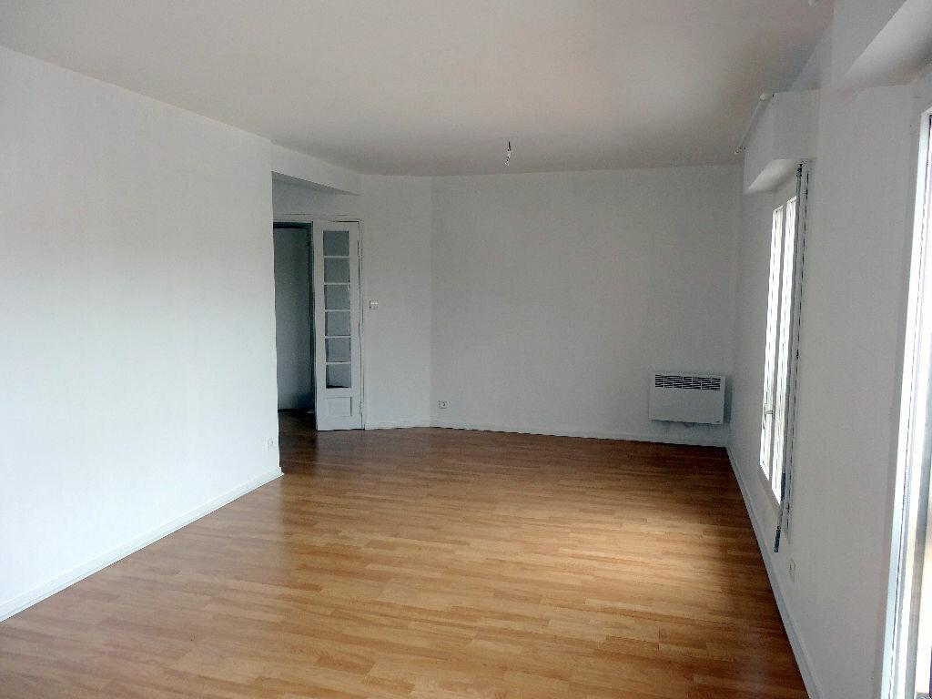 Appartement à louer 3 76m2 à Albi vignette-3